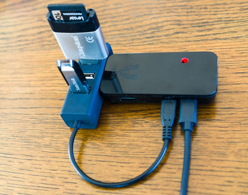 backupX - the Raspberry Pi based solution for backing up travel photography on the go